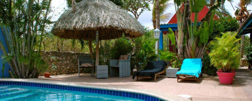 Zwembad van Caribbean Flower Apartments Curaçao© Caribbean Flower Apartments Curaçao