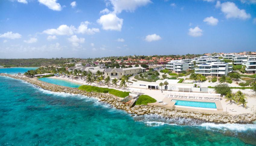 Het Resort Papagayo Curaçao gezien vanaf zee©Papagayo Curaçao