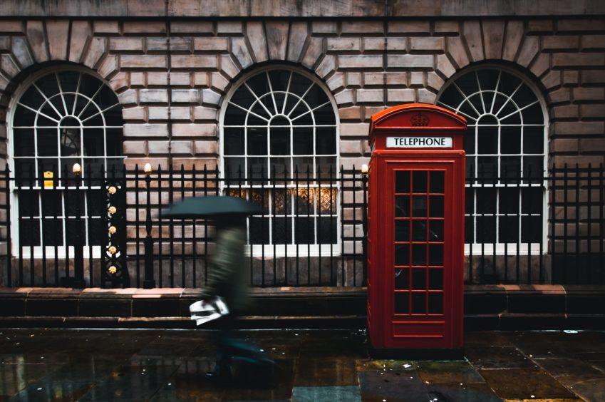 Wees voorbereid op het weer in Engeland©Jack Finnigan/Unsplash.com